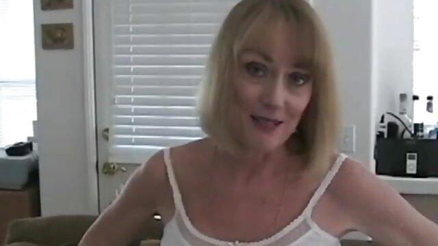 Դեբորա Mastronelli մայրը որդին հենթաի Մանգա sucks է էշի 1